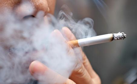 یازدهمین علت سکته قلبی :سیگار کشیدن